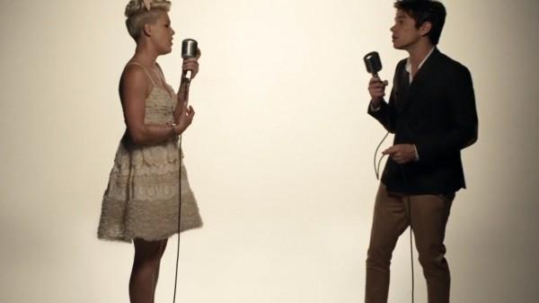 Pink Just give me a reason ft. Nate Ruess traduzione testo nuovo video ufficiale