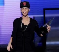 ama2012 justin bieber artista dell'anno video pink try